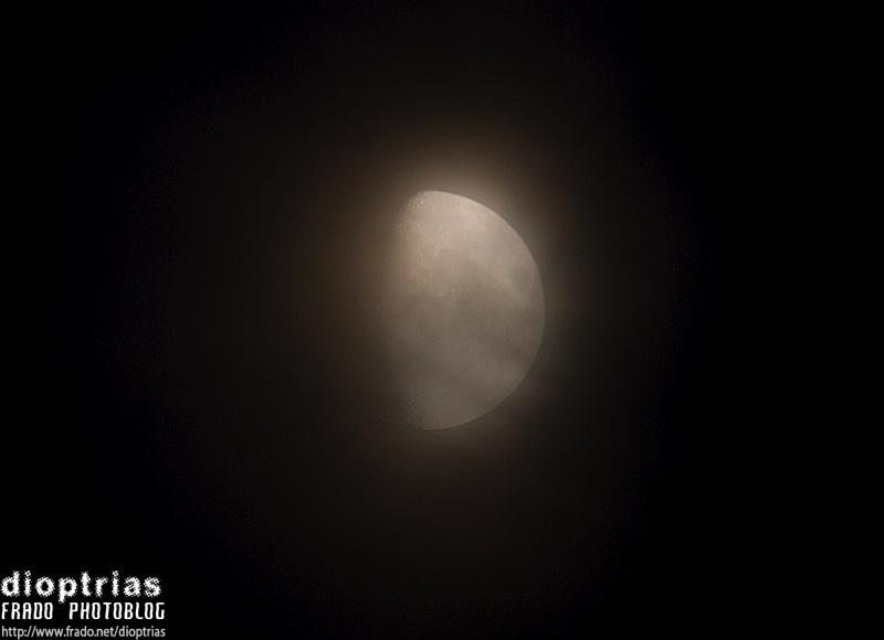 luna con niebla